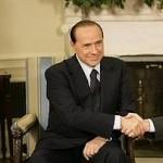Berlusconi prefiere a los libios que a Telefonica