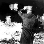 Recordando la quema de libros de los Nazis